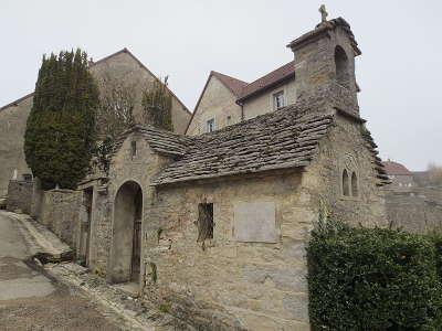 Chateau chalon chapelle saint vernier plus beaux villages routes touristiques du jura guide touristique de franche comte
