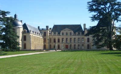 Chateau d oiron routes touristique des deux sevres guide du tourisme poitou charente
