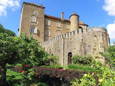 Chateau de berze routes touristiques en cote d or guide du tourisme en bourgogne