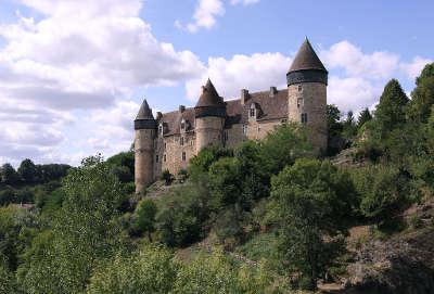 Chateau de culan routes touristiques dans le cher guide du tourisme centre val de loire