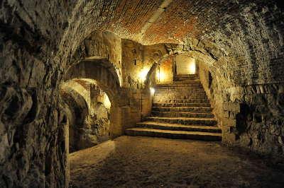 Chateau de foix salle routes touristiques de ariege guide du tourisme midi pyrenees