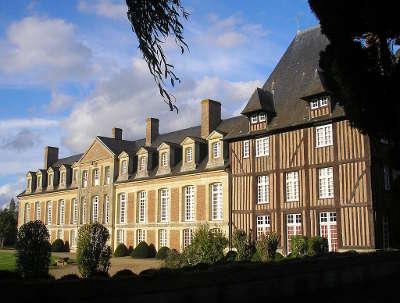 Chateau de grandchamp route des haras de lisieux les routes touristiques du calvados guide du tourisme normandie