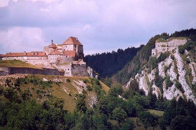 Chateau de joux route des monts et merveilles de franche comte