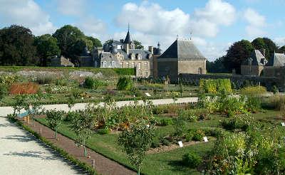 Chateau de la bourbansais jardins remarquables routes touristiques dans l ille et vilaine guide du tourisme en bretagne