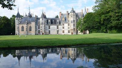 Chateau de meillant routes touristiques dans le cher guide du tourisme centre val de loire