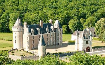 Chateau de montpoupon routes touristiques dans l indre et loire guide du tourisme centre val de loire