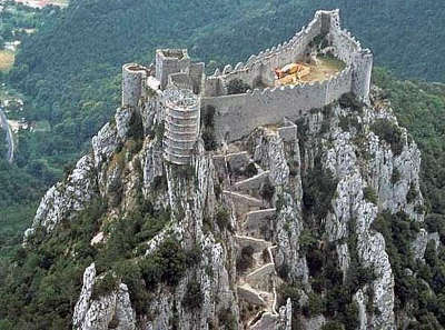Chateau de puilaurens routes touristique de aude guide du tourisme du languedoc roussillon