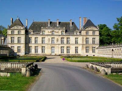 Chateau de raray routes touristique de l oise guide du tourisme de picardie