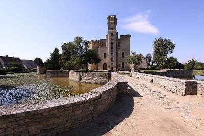 Chateau de sagonne les routes touristiques dans le cher guide du tourisme centre val de loire