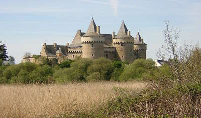 Chateau de suscinio routes touristiques dans le morbihan guide du tourisme en bretagne