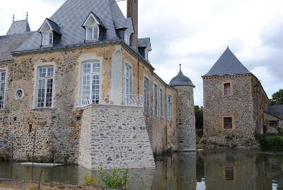 Chateau des arcis routes touristiques de mayenne du tourisme du pays de la loire