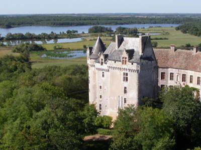 Chateau du bouchet a rosnay au coeur du parc naturel regional de la brenne guide du tourisme de l indre centre val de loire