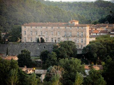 Chateau entrecasteaux les routes touristiques du var guide du tourisme de la provence alpes cote d azur