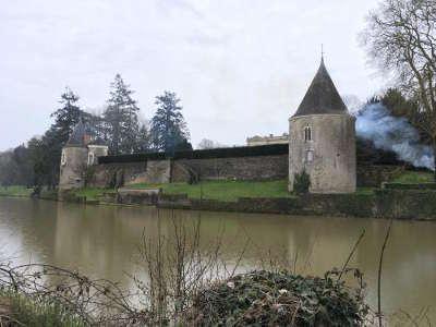 Chateau medieval du bas plessis routes touristiques de maine et loire guide du tourisme du pays de la loire
