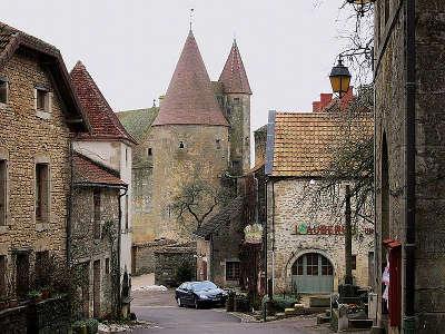 Chateauneuf en auxois plus beaux villages de france les routes touristiques en cote d or guide du tourisme en bourgogne