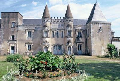 Chateauneuf sur charente routes touristique de charente guide du tourisme de poitou charentes