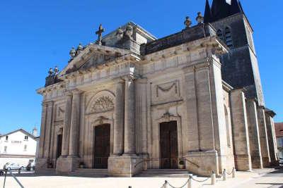 Chateauvillain petite cite de caractere eglise routes touristiques dans la haute marne guide du tourisme grand est