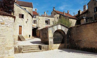 Chateauvillain petite cite de caractere les routes touristiques dans la haute marne guide du tourisme grand est