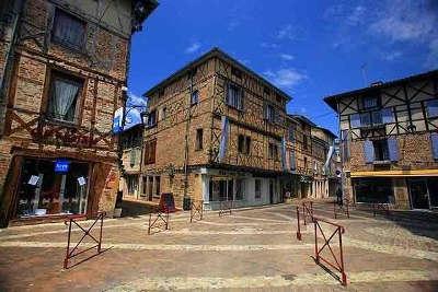 Chatillon sur chalaronne plus beau detours maisons a colombages routes touristiques de ain guide du tourisme de rhone alpes