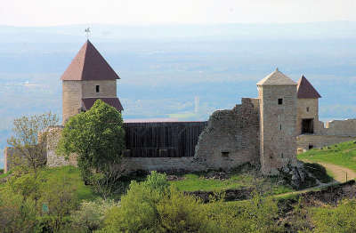 Chevreaux chateau routes touristiques du jura guide du tourisme de franche comte
