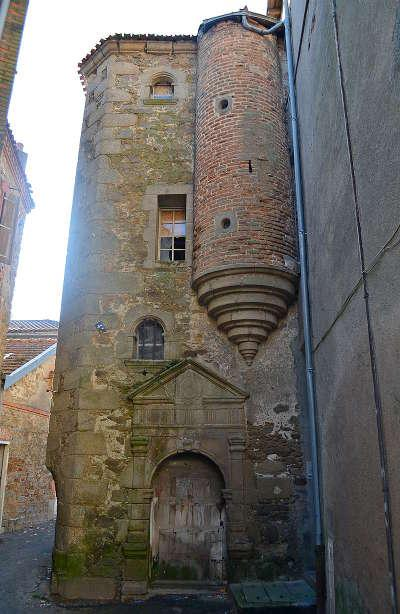 Cholet la tour dite du grenier a sel routes touristiques de maine et loire guide du tourisme du pays de la loire