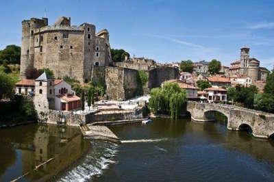 Clisson le chateau route touristique de loire atlantique guide du tourisme des pays de la loire