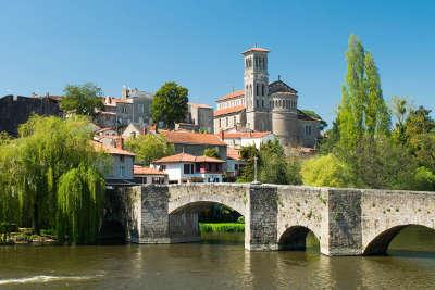 Clisson route touristique de loire atlantique guide du tourisme des pays de la loire