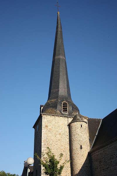 Clocher de l eglise saint pierre de quebriac routes touristiques dans l ille et vilaine guide du tourisme en bretagne