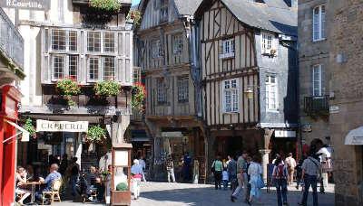 Combourg centre medieval petite cite de caractere routes touristiques dans l ille et vilaine guide du tourisme en bretagne
