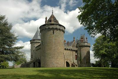 Combourg le chateau de combourg petite cite de caractere routes touristiques dans l ille et vilaine guide du tourisme en bretagne