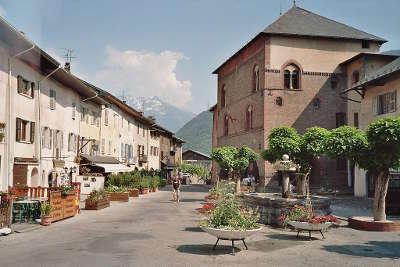 Conflans cite medievale routes touristiques de savoie guide touristique de rhone alpes