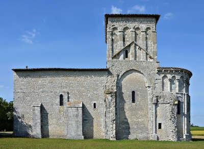 Conzac eglise saint jacques routes touristique de charente guide du tourisme de poitou charentes