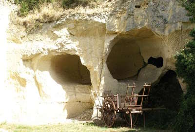 Crissay sur manse maison troglodyte plus beau village routes touristiques dans l indre et loire guide du tourisme centre val de loire