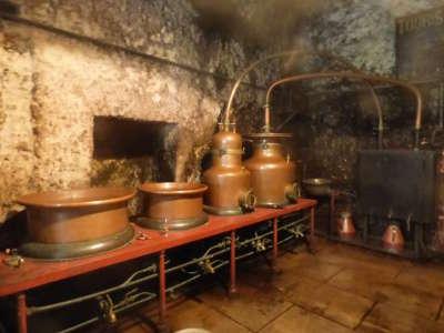 Distillerie girardot fraise or troglodytique routes touristiques dans le loir et cher guide du tourisme centre val de loire