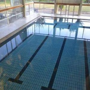 Domaine des puys saint sauves d auvergne la piscine routes touristiques du puy de dome