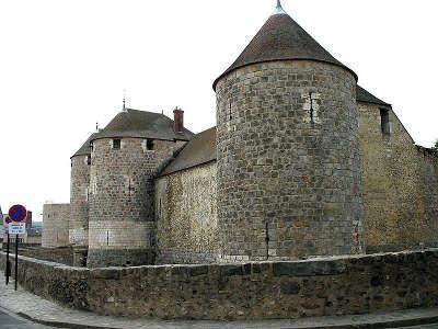Dourdan le chateau routes touristiques de essonnes guide touristique de ile de france