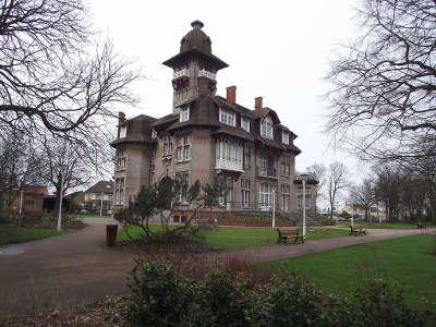 Dunkerque parc du chateau coquelle routes touristiques du nord guide touristique nord pas de calais