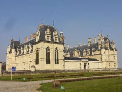 Ecouen le chateau routes touristiques du val d oise guide du tourisme d ile de france