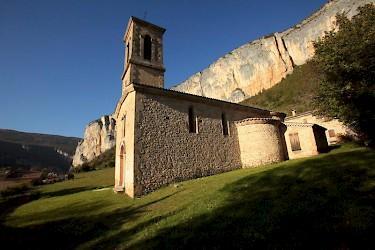 Eglise dansage dans le parc naturel du vercors guide du tourisme de rhone alpes