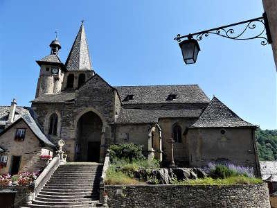 Estaing plus beaux villages de france l eglise saint fleuret routes touristiques de aveyron guide du tourisme midi pyrenees