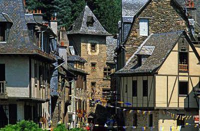 Estaing plus beaux villages de france routes touristiques de aveyron guide du tourisme midi pyrenees