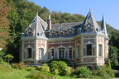 Etretat chateau des aygues routes touristiques de seine maritime guide du tourisme de haute normandie