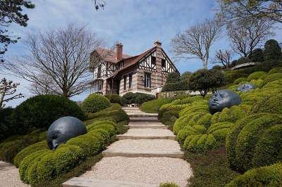 Etretat les jardins routes touristiques de seine maritime guide du tourisme de haute normandie