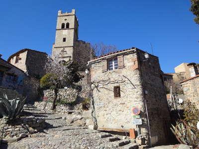 Eus ruelles pavees de galet plus beaux villages routes touristiques des pyrenees orientale guide du tourisme occidanie