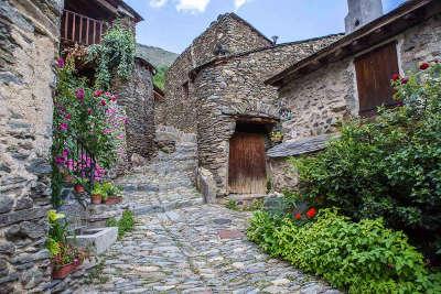 Evol ruelle plus beaux villages routes touristiques des pyrenees orientale guide du tourisme occidanie