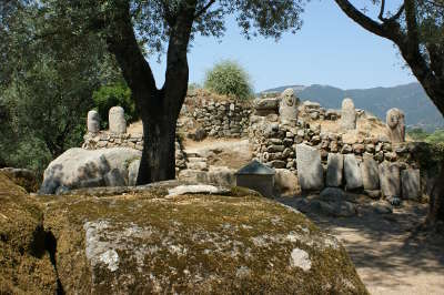 Filitosa site prehistoire les routes touristiques en haute corse guide du tourisme de la corse