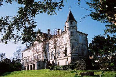 Fleac le chateau routes touristique de charente guide du tourisme de poitou charentes