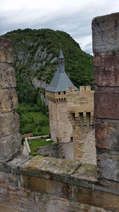 Foix les tours du chateau routes touristiques de l ariege guide du tourisme du midi pyrenees