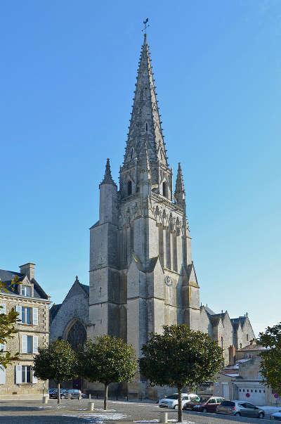 Fontenay le compte l eglise notre dame routes touristiques de vendee du tourisme du pays de la loire