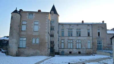 Fontenay le comte ville d art et d histoire hotel de la senechaussee routes touristiques en vendee guide du tourisme du pays de la loire